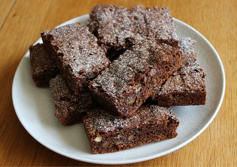 Easy Nutella brownies recipe to celebrate World Nutella Day on February 5th. Con Affetto's Dessert of The Month, easy Nutella brownies, three ingredients ONLY!