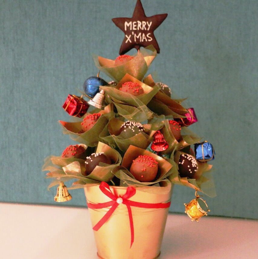 Cake Pop Bouquet - Pop Christmas Tree